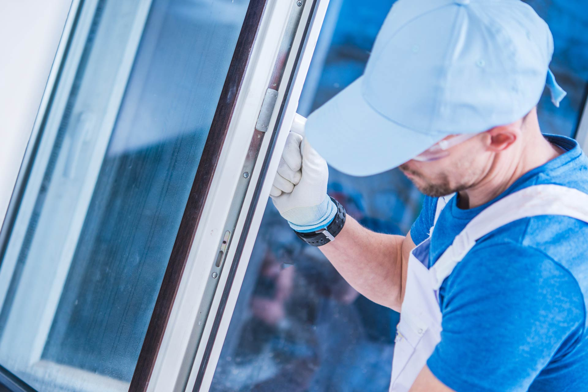 5 Things You Should Ask Before Choosing a Windows and Doors Contractor
